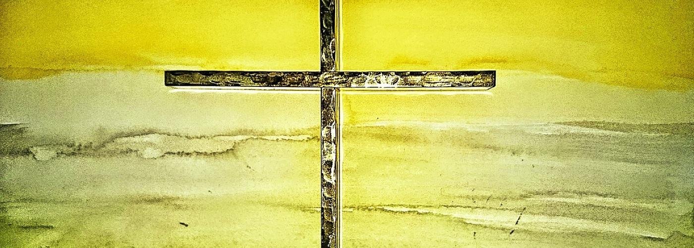 Kreuz vor Grün